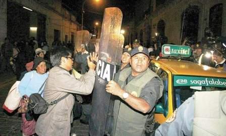 Los sujetos fueron llevados a le dependencia policial.