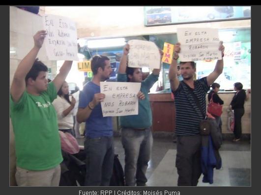 turistas chilenos protestan