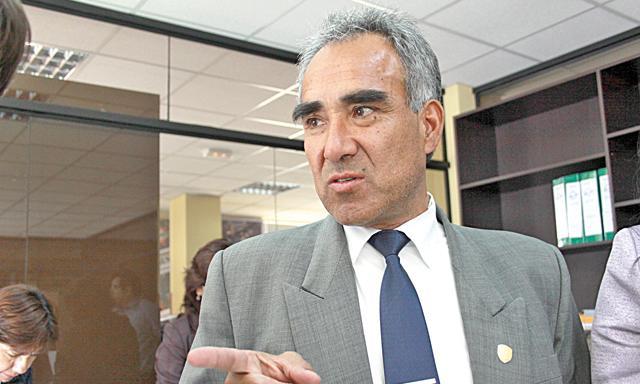 Pedro Flores, gerente regional de Educación