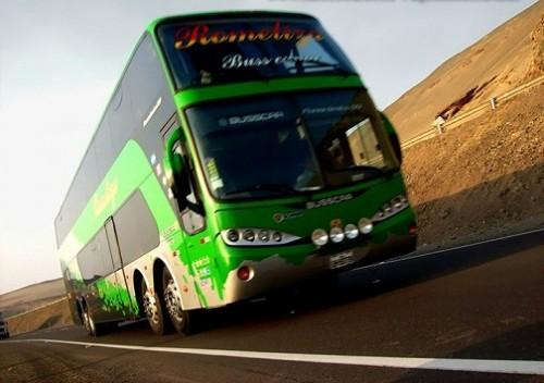 Bus-de-ROMELIZA-rumbo-a-Arequipa