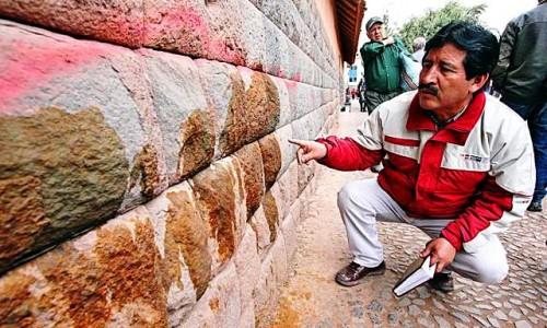 cusco muro inca