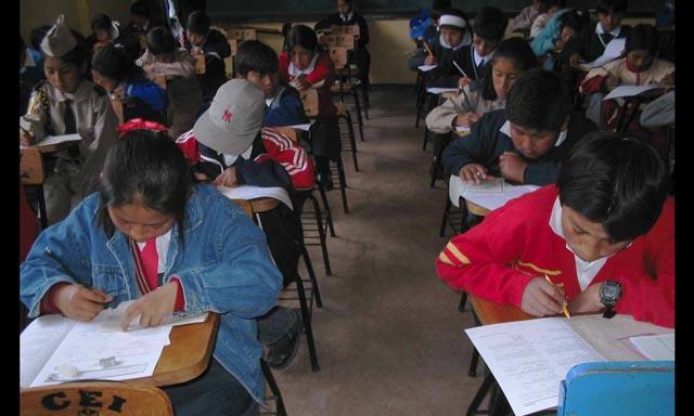 En Arequipa más de la mitad de alumnos estudia en colegios privados (Foto referencial)