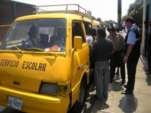 Sólo 630 unidades están autorizadas a brindar el servicio escolar.