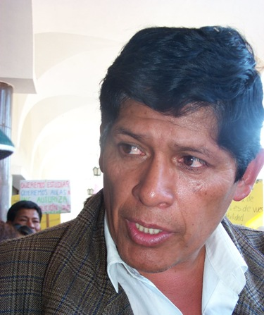 apoya a Esteban Valdez