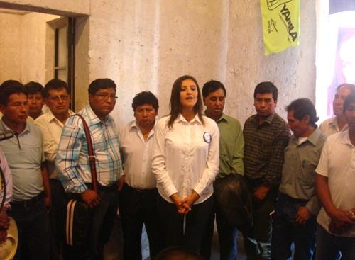 Yamila-Osorio-y-Alcaldes-Caylloma