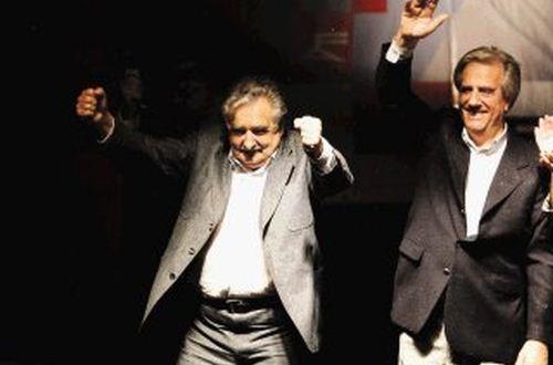 José Mujica y su sucesor Tabaré Vasquez