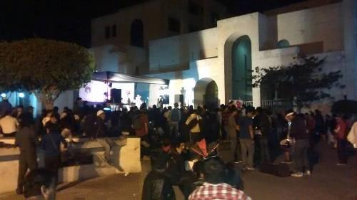 Otro grupo finalizó la marcha en la Plaza España, con una tocada
