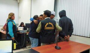 Piden prisión para dos hombres acusados de seducir y abusar de escolares