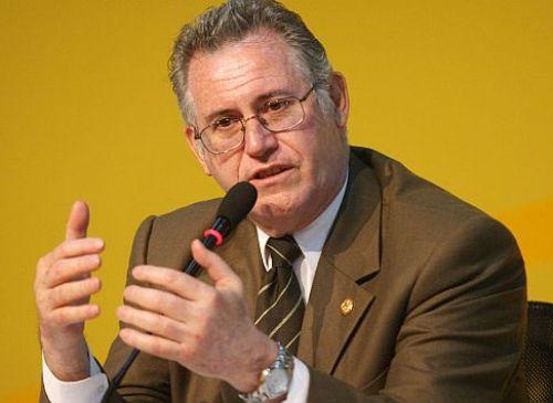 CARLOS HERRERA DESCALZI, MINISTRO DE ENERGIA Y MINAS. FOTO: HEINER APARICIO LUGAR: TECSUP