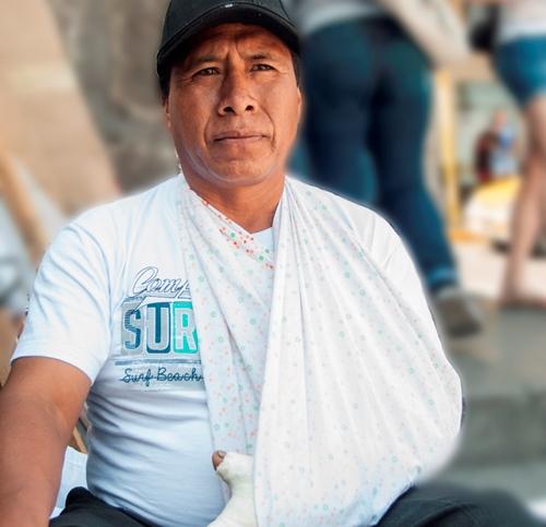 Antonio Coasaca, símbolo del maltrato policial contra los agricultores protestantes