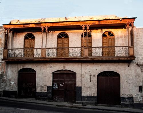 Fachada del Tambo Ruelas, una joya en la calle Beaterio