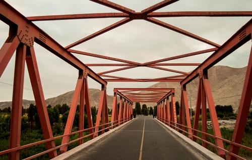 """Puente Pampa Blanca, donde hicieron su aparición los """"Espartambos"""""""