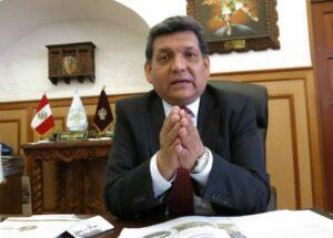 Reunirá firmas para anular la elección del Decano del CAA