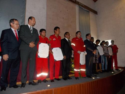 homenaje-a-periodistas-bomberos