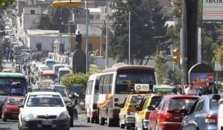 Suspenden huelga de transportistas por renuncia de ministro de Economía