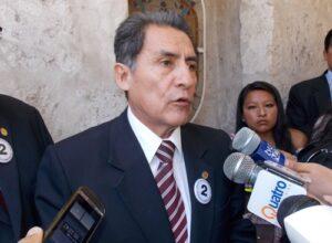 Ratifican inhabilitación a exrector UNSA por 5 años
