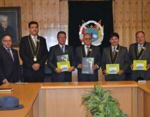 Hidroeléctrica Laguna Azul y Universidad Católica se unen para desarrollar proyectos