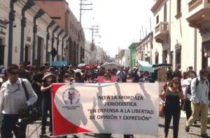 Periodistas protestan ante amedrentamiento de autoridades por denuncias