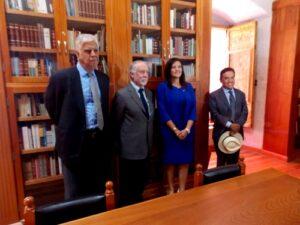 Mario Vargas Llosa cumplió 80 años y envió más libros a Arequipa