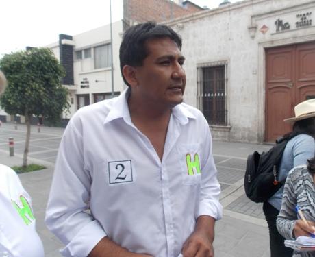 """Candidato al Congreso por el """"Partido Humanista Peruano"""", Elmer Lesmes Madueño Chávez"""