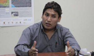 Candidato Mario Melo denunciado al JEE por entregar dinero en acto proselitista
