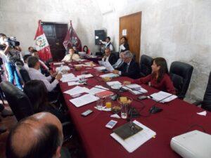 VIDEO. Le disminuyeron el sueldo al vicegobernador, Víctor Raúl Cadenas