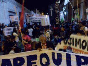 Marcha «No a Keiko» este sábado en Arequipa no pudo ingresar a la plaza de armas