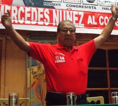"""Candidato con de """"Alianza Popular"""" al Parlamento Andino, Ruperto Ferro."""
