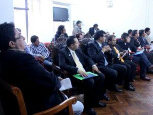 Alcaldes distritales buscan la reelección inmediata mediante iniciativa legislativa