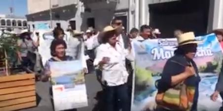 marcha contra Laguna Azul