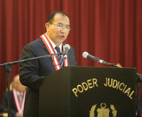 Presidente del Poder Judicial, Víctor Ticona Postigo.