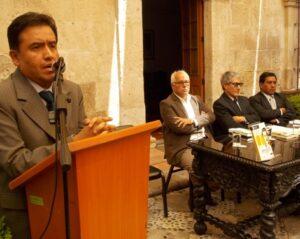 """Tercera edición del libro """"Arequipa y el escribidor"""" en homenaje a Mario Vargas Llosa"""