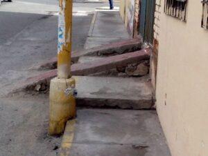 Colocan rampas en plena vía pública en Cerro Colorado
