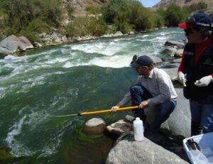 Instalan sensores para monitorear calidad de agua de ríos de Arequipa