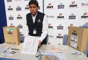 Personal de la ONPE realiza verificación de material electoral en Arequipa