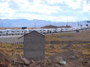 Keiko Fujimori: la caravana de minivans que acompañó la gira de la candidata de Fuerza Popular