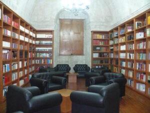Colectivo de poesía «Ánima Lisa» en homenaje a Antonio Cornejo Polar