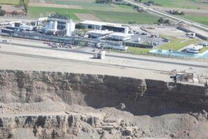 Ministros Cateriano y Benítez verificaron graves condiciones de deslizamientos en Majes