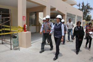 Inauguran infraestructura educativo y obras en carretera en Castilla