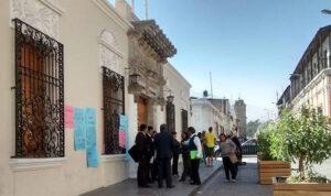 Docentes UNSA realizan plantón en solidaridad con ex Decano de Educación