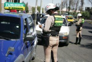 Gerente de Transporte afirma que existe una mafia de falsificación de licencias en Arequipa