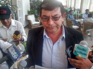 """VIDEO. """"El alcalde Edwin Martínez nos ha amenazado de muerte"""", dijo regidor de Mariano Melgar"""