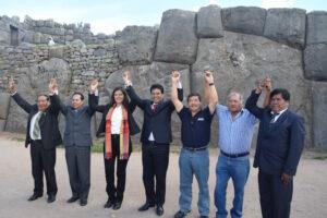 Gobernadores de Arequipa, Apurímac y Cusco respaldan a Vizcarra