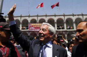 Mario Vargas Llosa estrenará obra de teatro en escenario que lleva su nombre en Arequipa