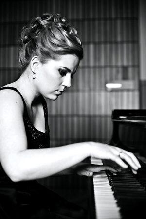 Anna Miernik: una magna pianista