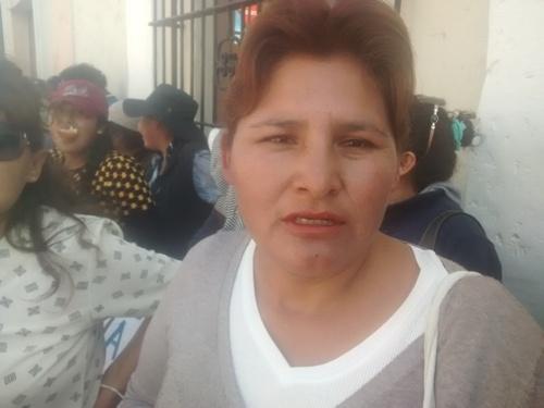 Propietaria de uno de los terrenos invadidos, Marisol Zapana.