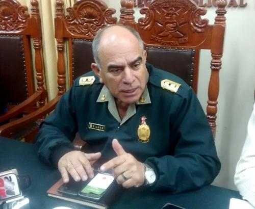 Jefe de la Región Policial de Arequipa, Enrique Blanco.