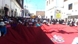 VIDEO. Miles de pobladores apoyaron protesta de alcaldes por reducción Canon Minero