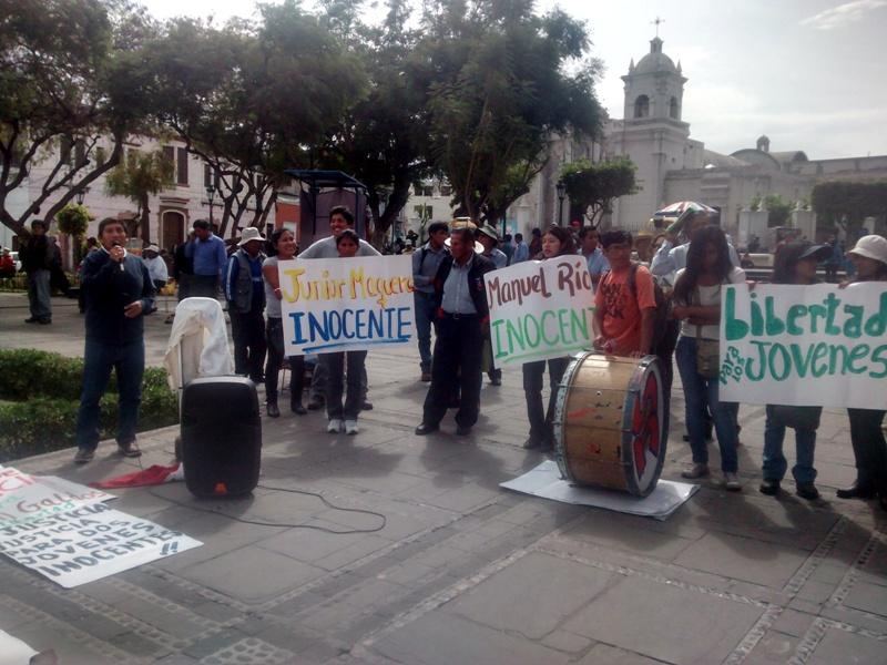 familiares protestan por acusaciones de violencia
