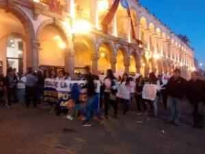 VIDEO. Multitudinaria marcha #NiUnaMenos por las calles de Arequipa